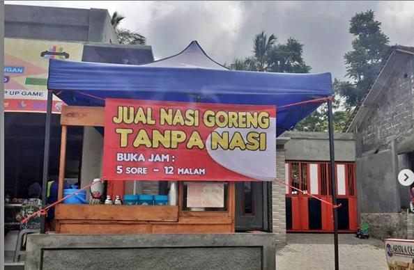 Jual Nasi Goreng Tanpa Nasi di Magelang Viral (Foto: @Anam_Channel)