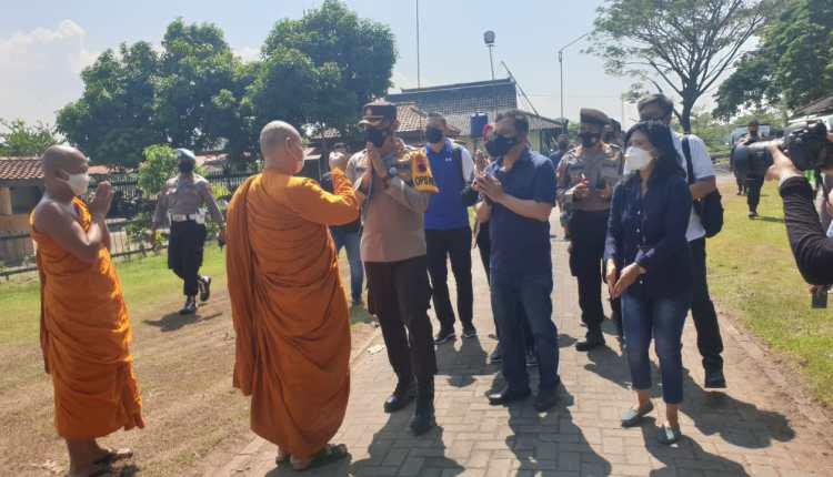 Kapolda Jateng saat berkunjung ke Candi Prambanan