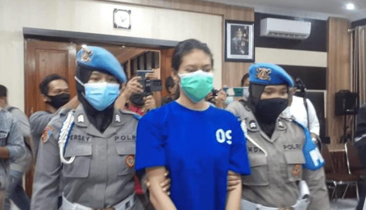 SADIS: Tersangka NA, 25, asal Majalengka di Mapolres Bantul, Senin (3/4). (foto: ist)