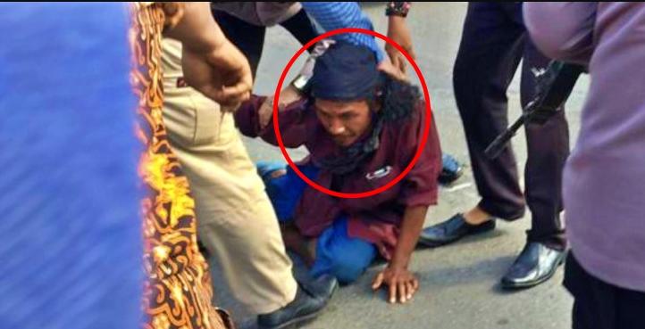 pria tak dikenal diringkus petugas kepolisian saat mengamuk di Mako Polresta Yogyakarta