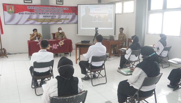 Bupati Magelang Zaenal Arifin saat memberikan arahan kepada PPPK Kabupaten Magelang Angkatan IV.
