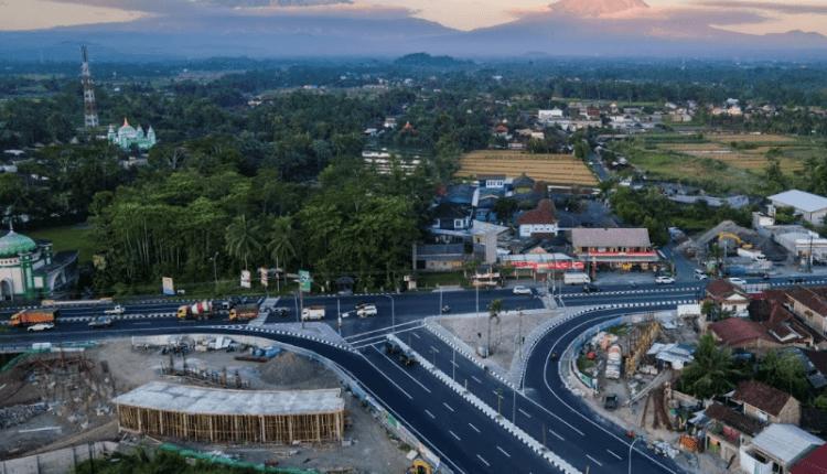 DIKEBUT: Gambar udara pembangunan Gerbang Palbapang dengan ikon patung singa. (sumber: ist)