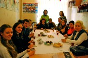 'round table discussion' on winter holidays in ukraine, america, and germany