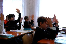 this is how they're taught to raise hands in ukraine