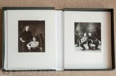 A portrait on classic film on large format view kamera. Enlargement 25x30cm with 40x50cm mat. /// Portret na klasičen film, na velikoformatno mehovko. Povečava 25x30 cm na paspartuju velikosti 40x50cm.