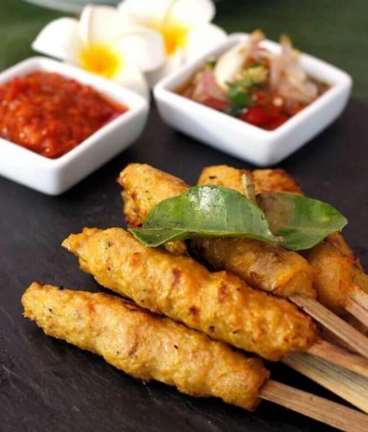 Oleh oleh Makanan Khas Bali Sate Lilit