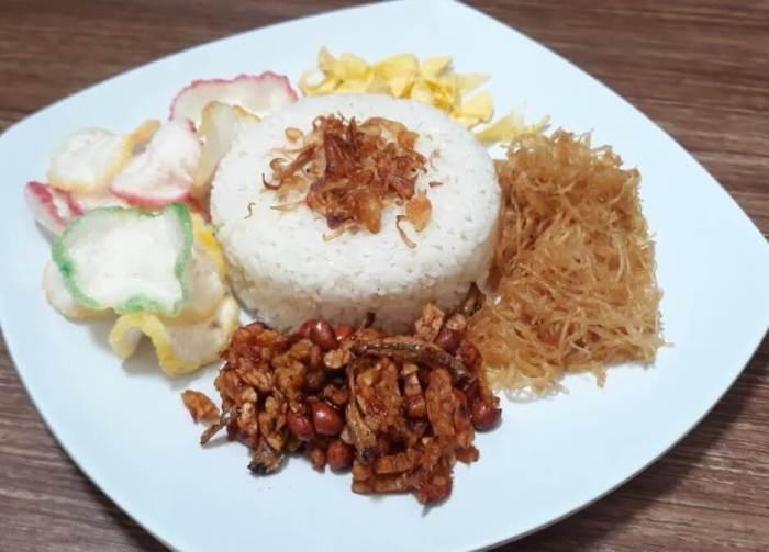 Makanan Khas Betawi dan Cara Membuatnya Nasi Uduk