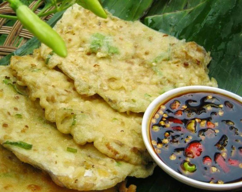 Jajanan Pasar Tradisional Makanan Khas Jawa Tengah Tempe Mendoan