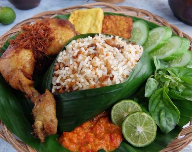 Salah satu Makanan Khas Sunda Nasi Tutug Oncom