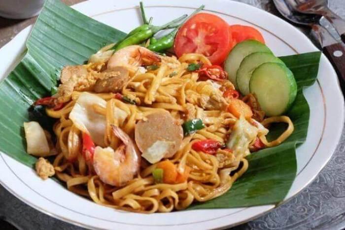 Makanan Khas Cilacap Mie Goreng