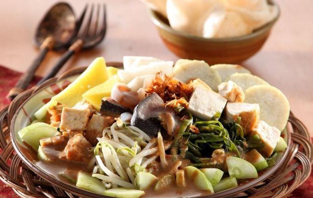 5 Makanan Khas Jawa Timur Rujak Cingur