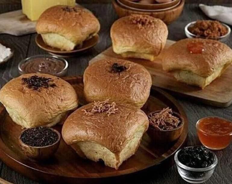 Makanan Khas Madiun Bluder Cokro