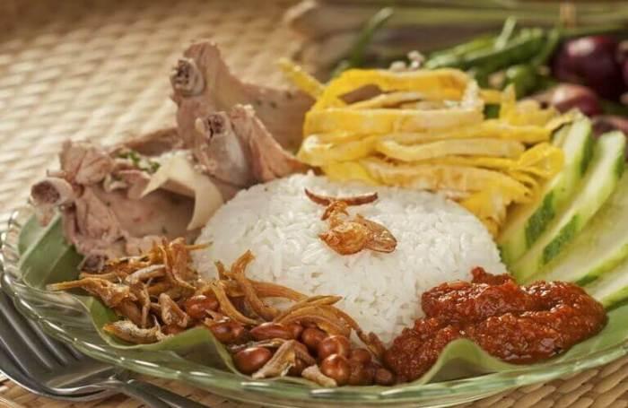 Makanan Khas Riau Nasi Lemak