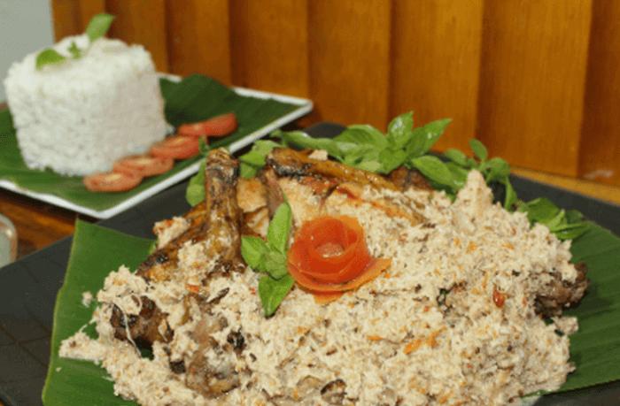 Makanan Khas Banyuwangi Pecel Pitik