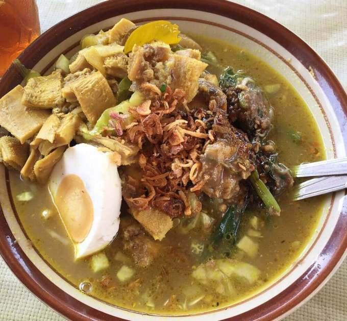 Makanan Khas Banyuwangi Rujak Soto