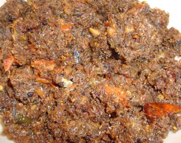 Makanan Khas Manado Ria Roa