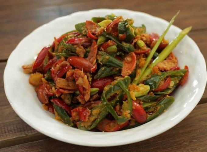 Makanan Khas Banten Sambel Burog