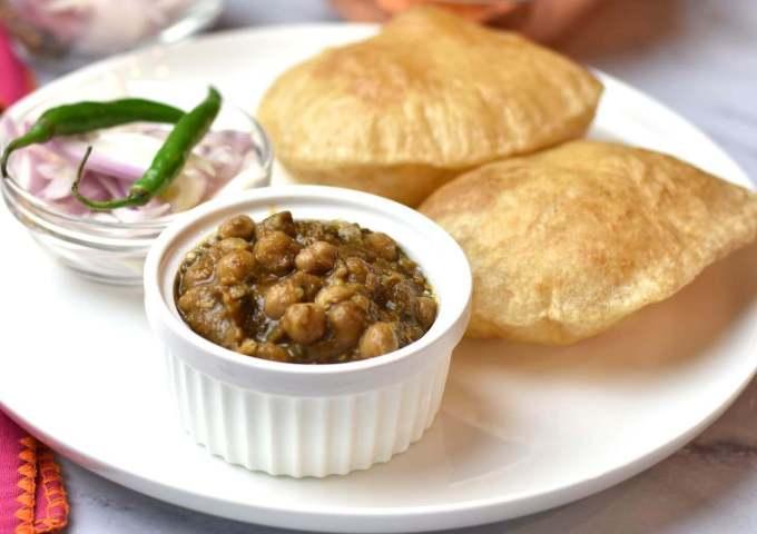 Makanan Khas India Chole Bhature