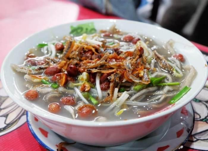 Makanan Khas Kalimantan Barat Mie Sagu