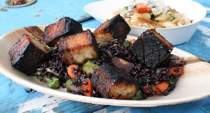 Makanan Khas Kalimantan Timur Daging Masak Bumbu Hangus