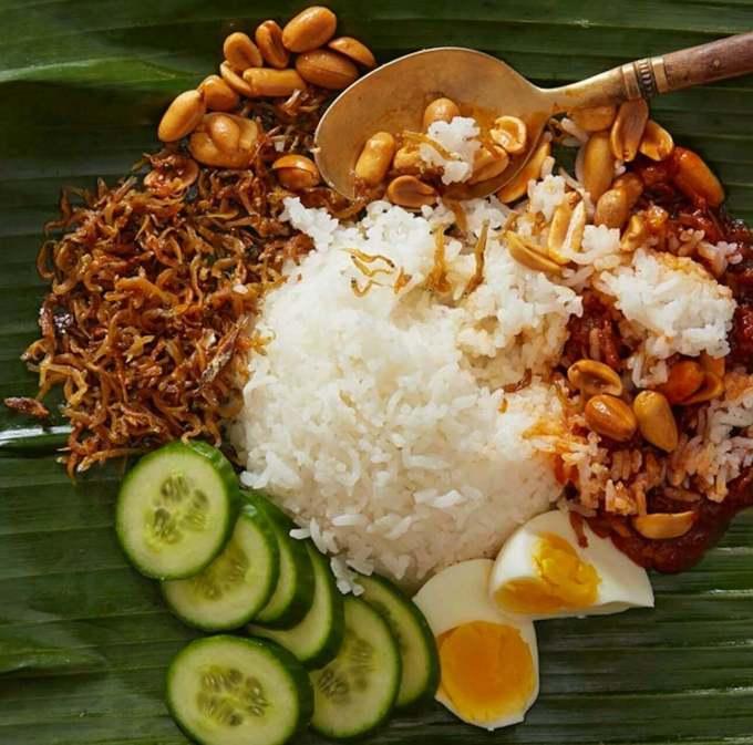 Makanan Khas Malaysia Nasi Lemak