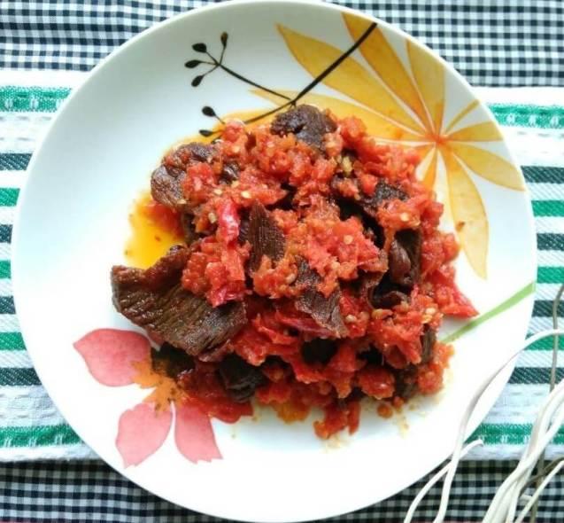 Makanan Khas Padang Dendeng Balado