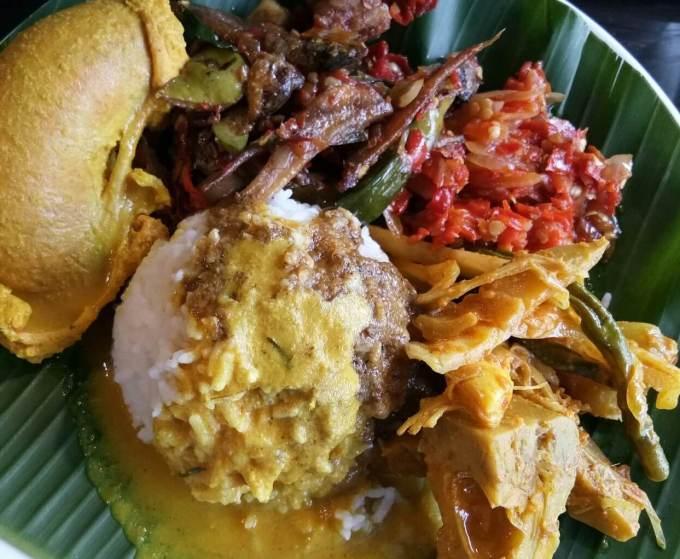 Makanan Khas Padang Nasi Kapau