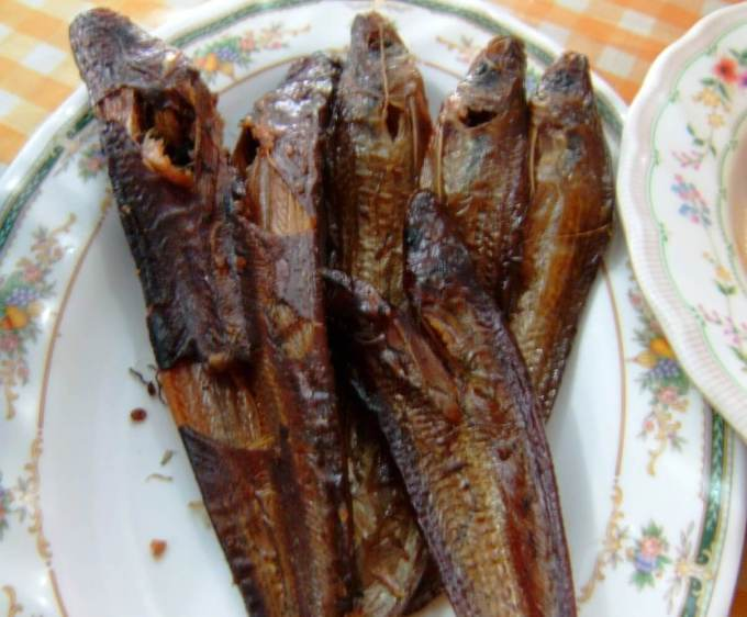 Makanan Khas Pekanbaru Ikan Asap Selais