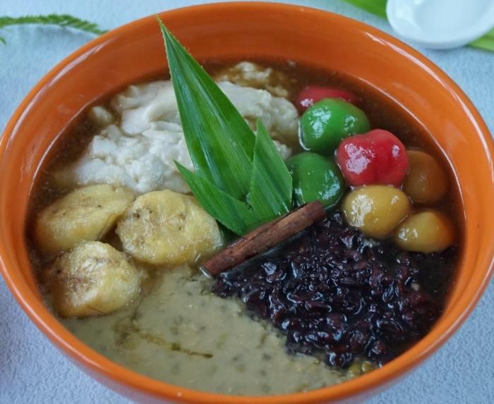 Makanan Khas Sumatera Barat Bubur Kampiun