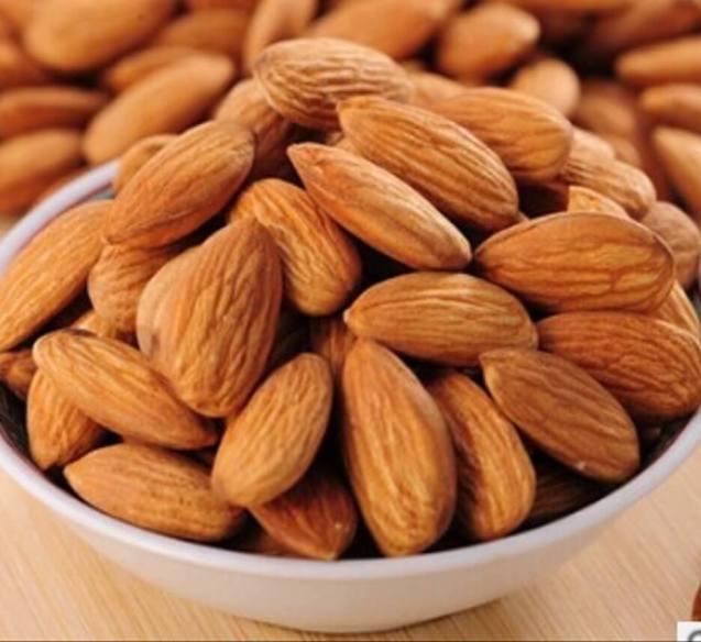 Kacang Almond Crispy