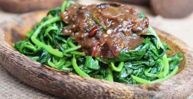 Makanan khas Kuningan rujak kangkung