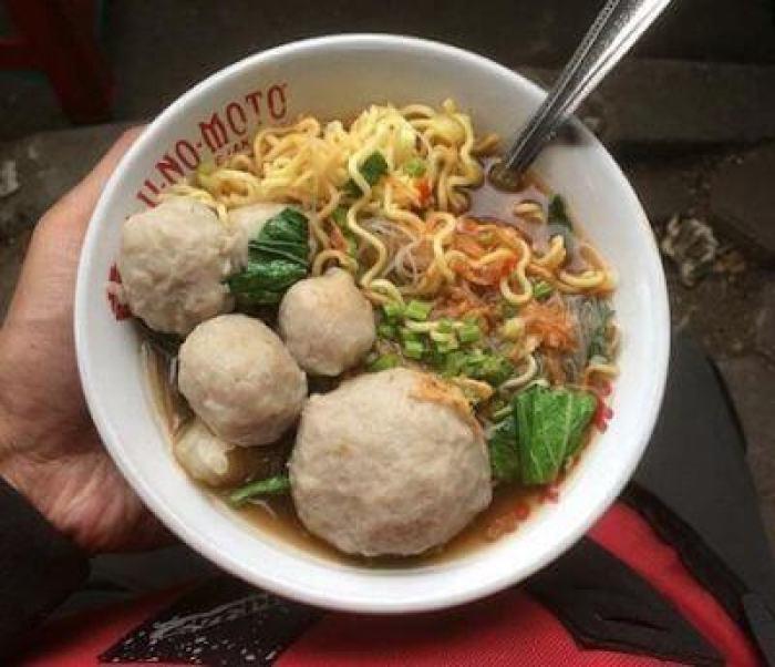 makanan khas garut bakso mang ano