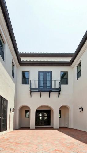 courtyard02