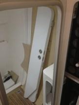 Main bathroom bi-fold