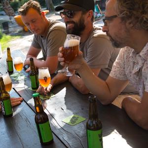 Bossche Brouwers aan de kade, bier proeven, bier brouwen in een creatieve muzikale omgeving