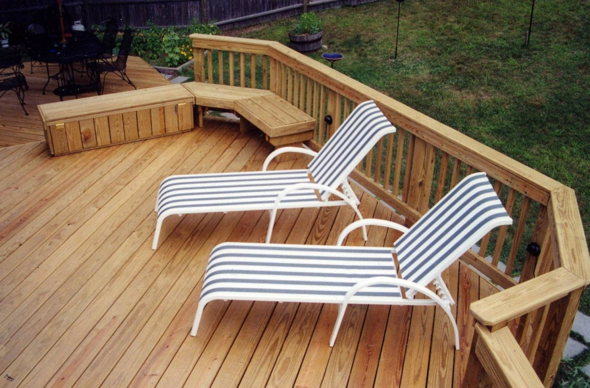 Composite vs Wood Deck - Which One Is Better?