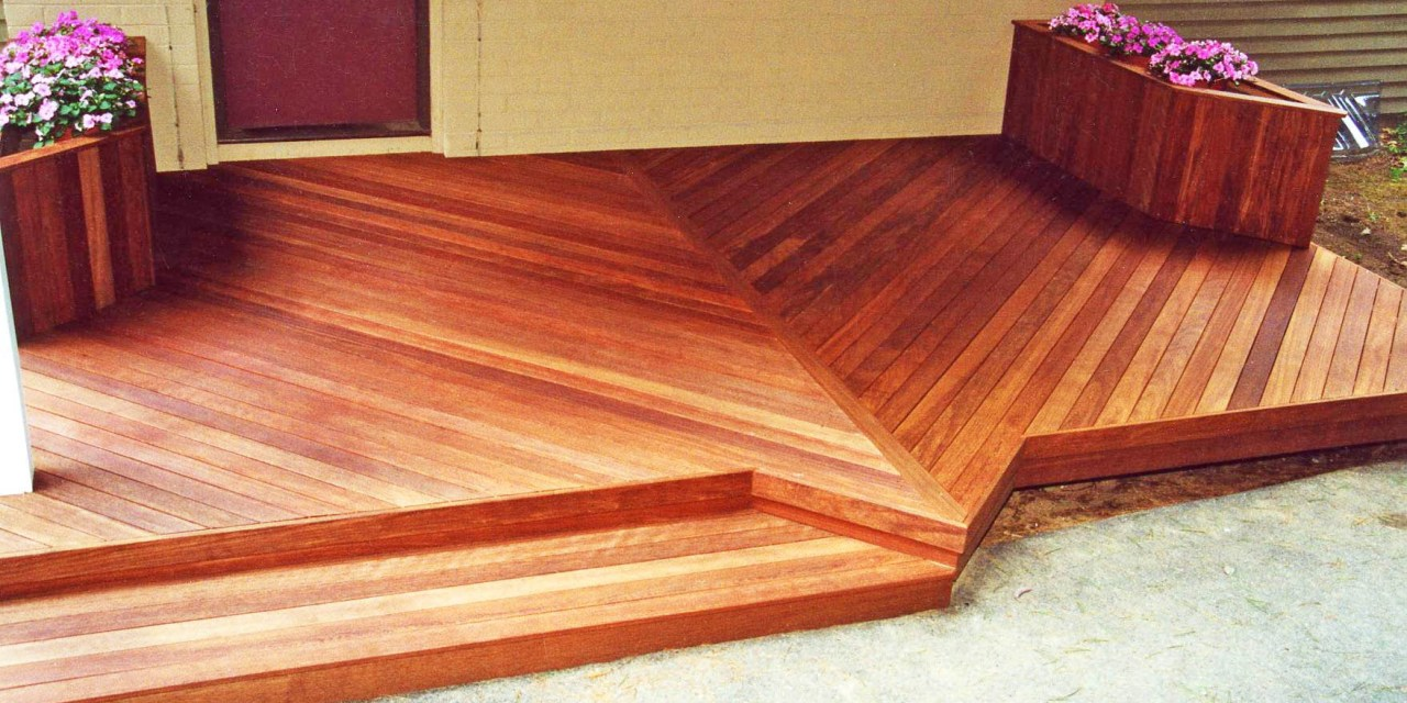 Eight Tips for Maintaining Your Mahogany Deck
