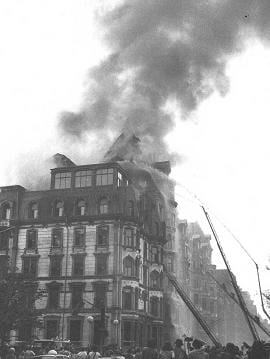 The Hotel Vendome, during the fire, before the collapse.