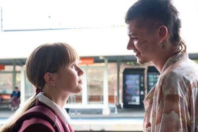 In 'Babyteeth,' she's 16 and has cancer, he's 23 with a drug habit, and she  thinks now it's time to meet her parents? - The Boston Globe