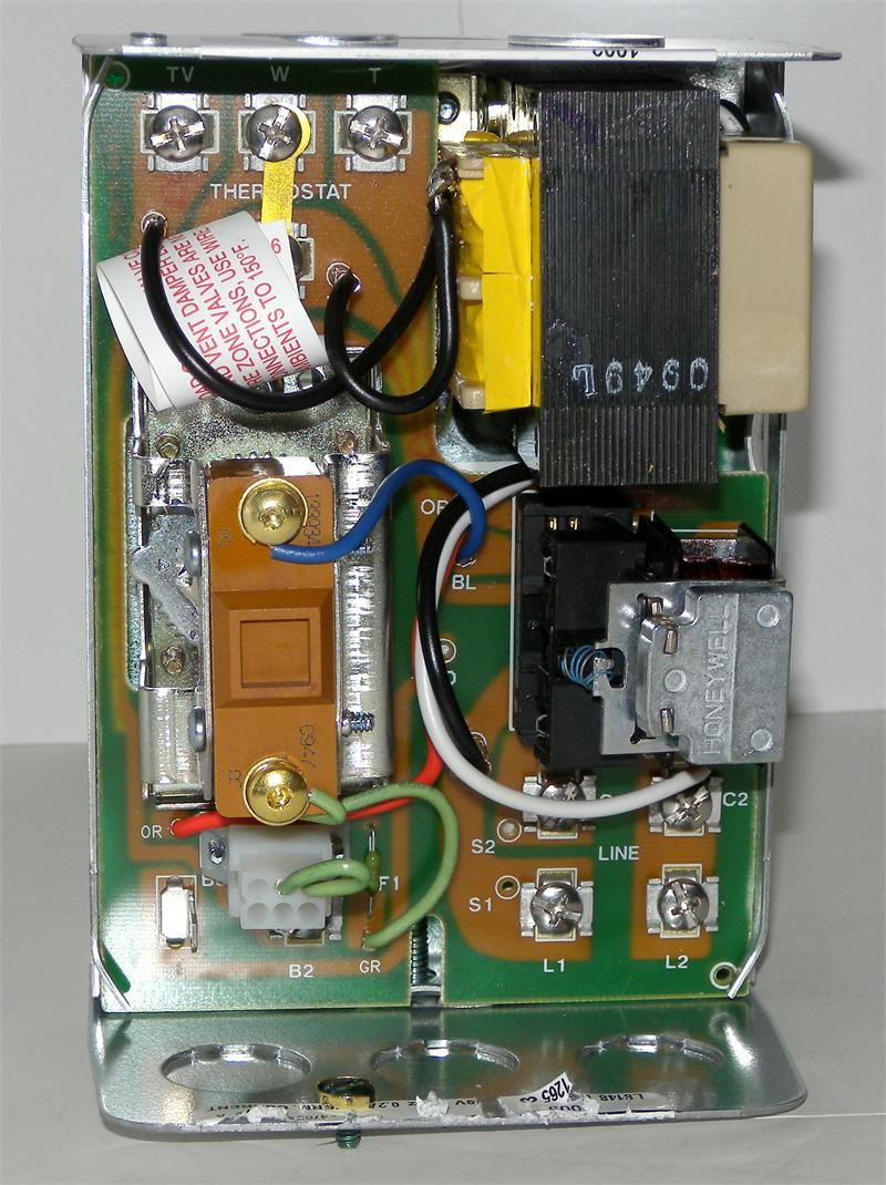 medium resolution of honeywell l8148e1265 high limit aquastat relay with 15 f fixed