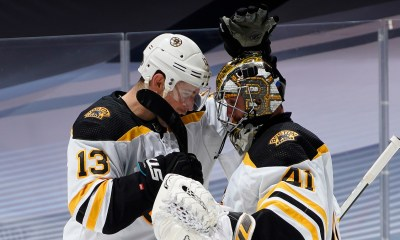 Boston Bruins win Game 4