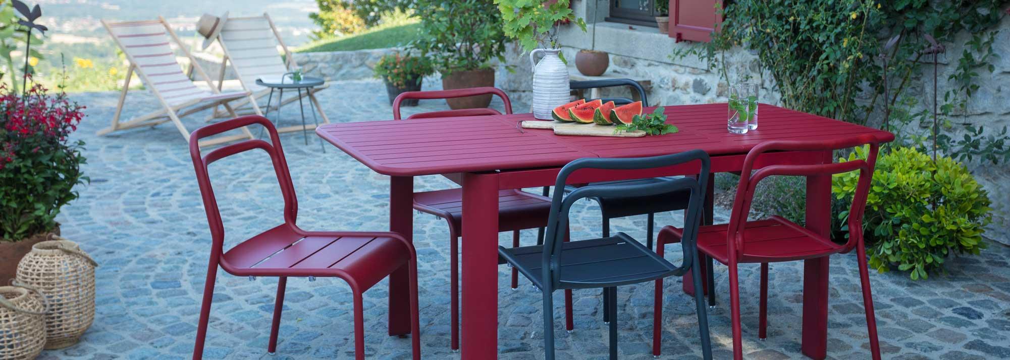 Meubles De Jardin Table Ronde   Emejing Salon De Jardin ...