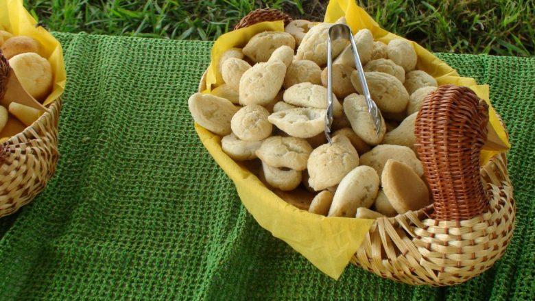 Corn bread rolls