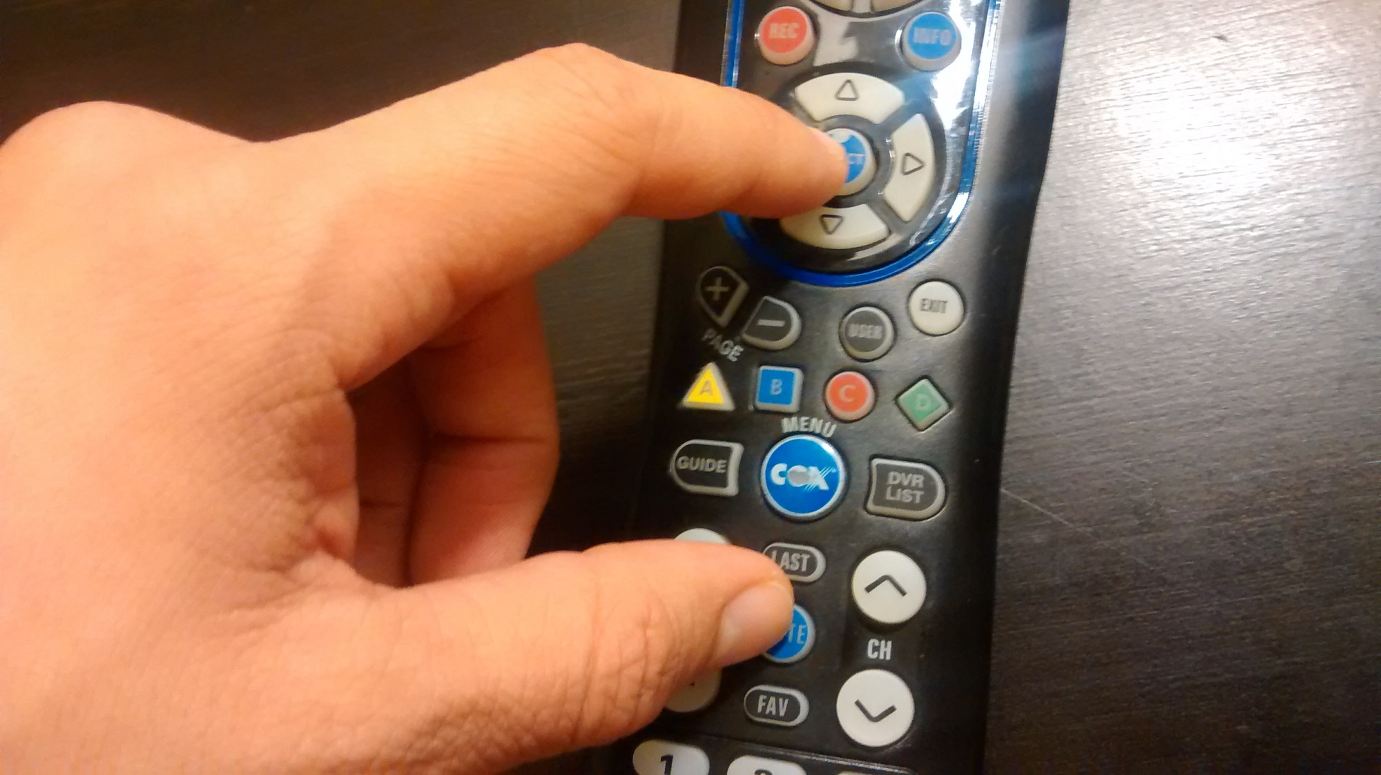 hight resolution of sync cox remote to tv