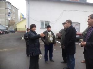 primarul de Botosani, Ovidiu Portariuc, la recetia unor lucrari de asfaltare