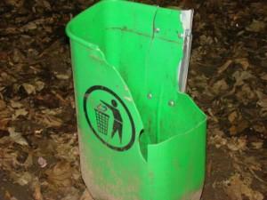 cos de gunoi stricat (1)