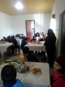 elevi in vizita la bibleoteca parohiala2