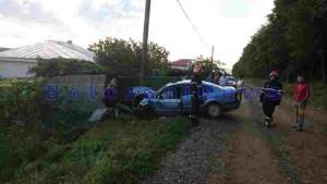 accident oraseni schit masina in stalp 2JPG