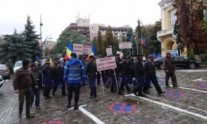 protest-al-taranilor-din-vladeni-in-fata-prefecturii-botosani