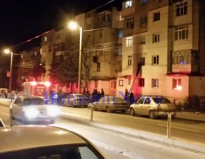 pompieri cautand o femeie disparuta- apartament zona industriala- botosani